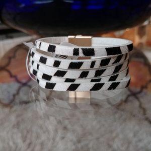 Black & White Zebra Striped Wrap Bracelet
